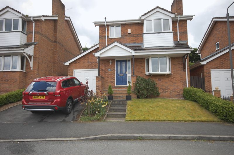 3 Bedrooms Detached House for sale in Carr Bank, Glossop