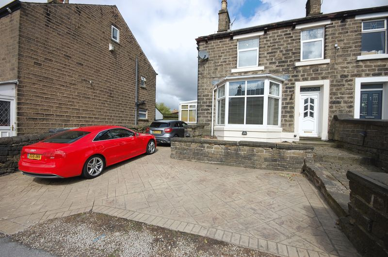 3 Bedrooms Semi Detached House for sale in Manchester Road, Glossop