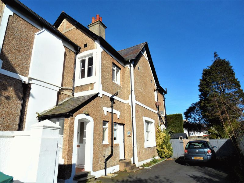 2 Bedrooms Flat for sale in Richmond Road, Worthing