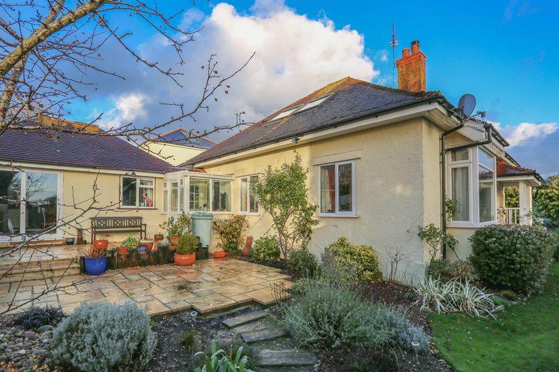 5 Bedrooms Detached House for sale in Durrington Hill, Salvington