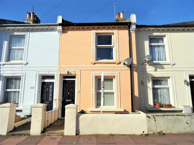 2 Bedrooms Terraced House for sale in Howard Street, Worthing