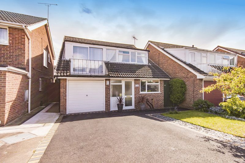 4 Bedrooms Detached House for sale in HAILSHAM CLOSE, MICKLEOVER