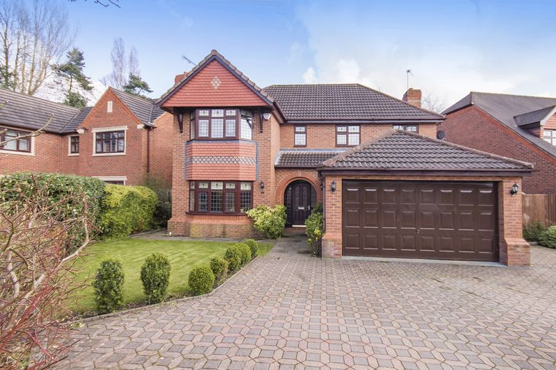 4 Bedrooms Detached House for sale in FINCH CRESCENT, MICKLEOVER