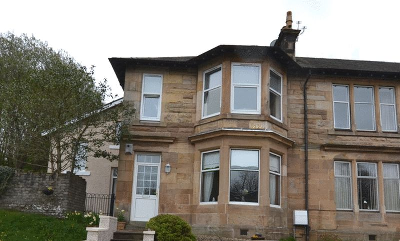 3 Bedrooms Flat for sale in Garnock View, Beith