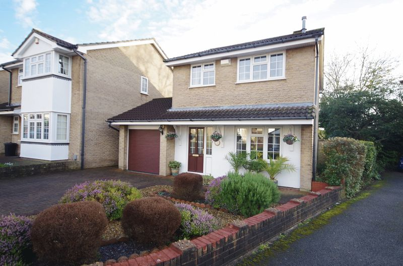 3 Bedrooms Detached House for sale in The Wicketts, Filton, Bristol