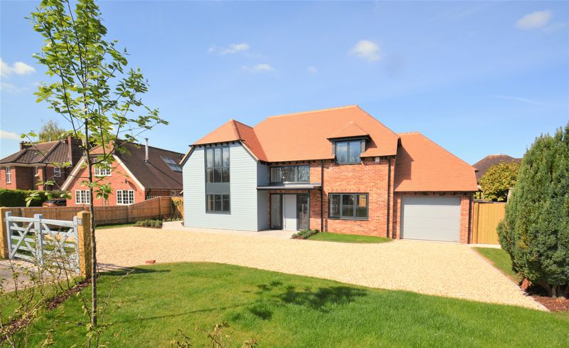 4 Bedrooms Detached House for sale in Bessels Way, Blewbury