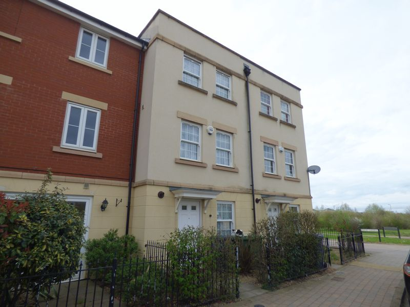 3 Bedrooms Terraced House for sale in Gambet Road, Brockworth, Gloucester
