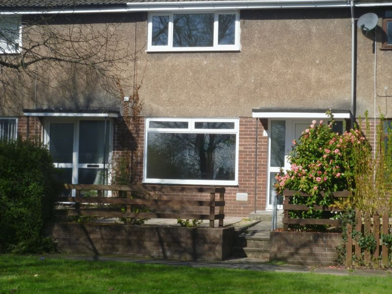 2 Bedrooms Terraced House for sale in Wiston Path, Cwmbran
