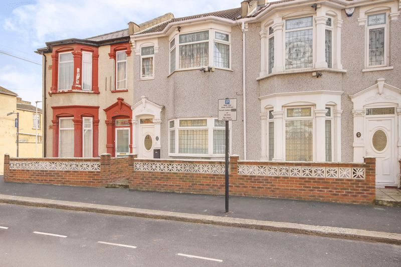 3 Bedrooms Terraced House for sale in St Georges Road, Forest Gate, London