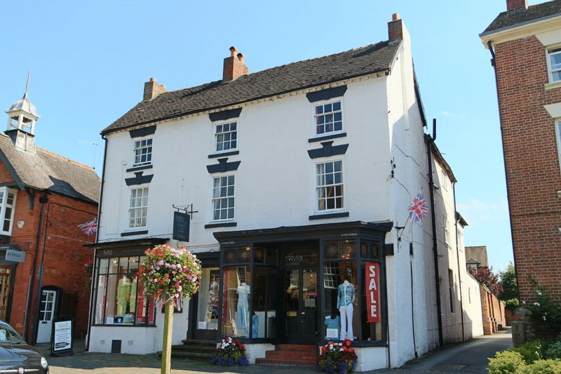2 Bedrooms Flat for sale in High Street, Eccleshall