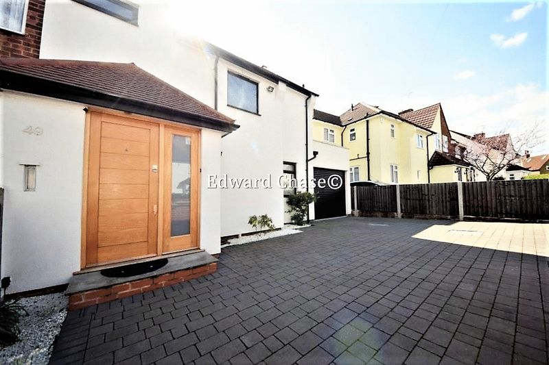 4 Bedrooms Semi Detached House for sale in Rayleigh Road, Woodford Green
