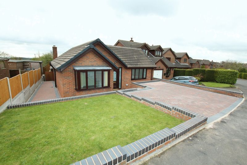 4 Bedrooms Detached Bungalow for sale in Rowan Close, Biddulph Moor