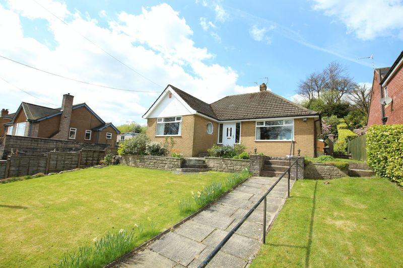 2 Bedrooms Detached Bungalow for sale in Congleton Road, Mow Cop
