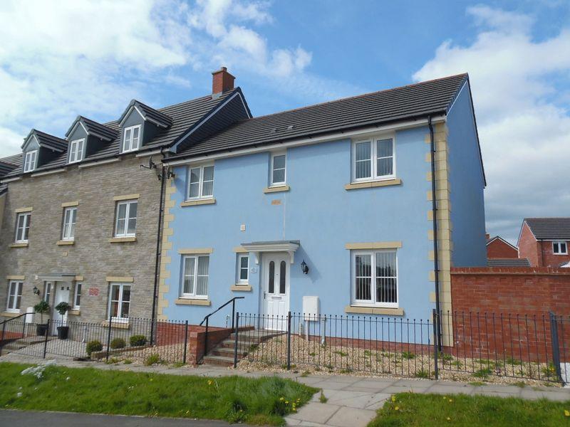 4 Bedrooms House for sale in Ffordd Yr Hebog Coity Bridgend CF35 6DH