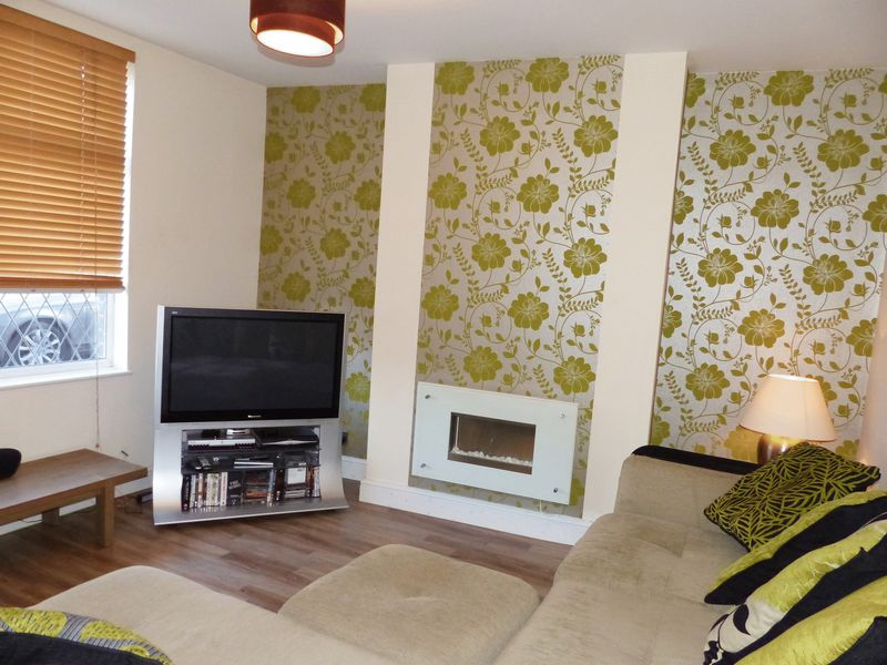 2 Bedrooms Terraced House for sale in 249 Eaves Lane, Chorley, PR6 0AG