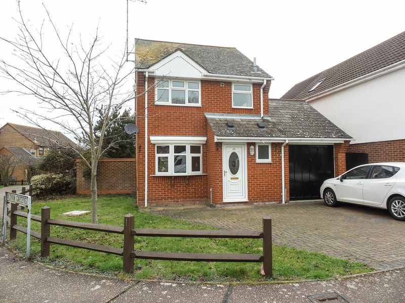 3 Bedrooms Detached House for sale in Oakley Avenue, Rayleigh
