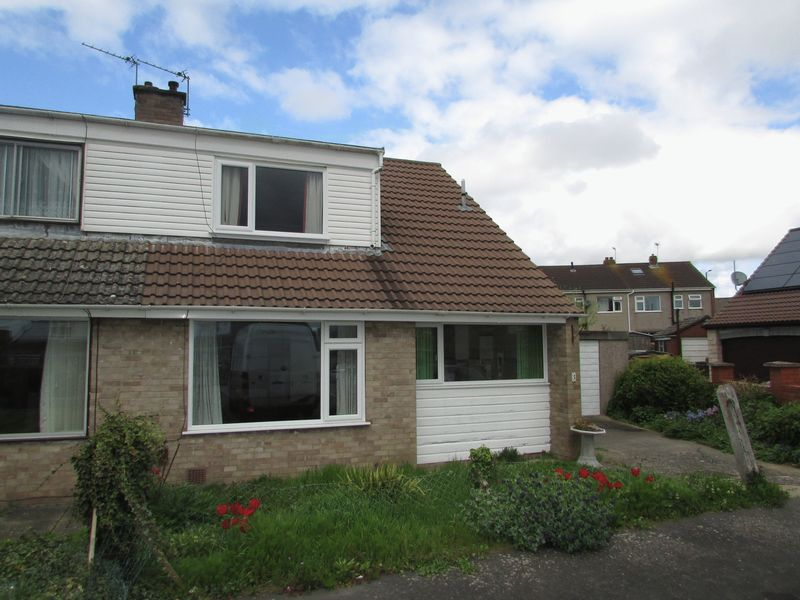 3 Bedrooms Semi Detached Bungalow for sale in Townsend Close, Stockwood, Bristol