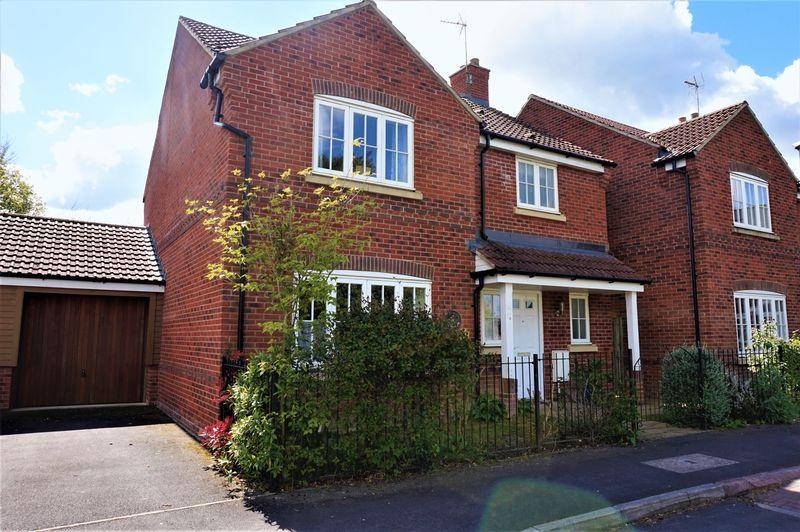 4 Bedrooms Detached House for sale in Newtons Walk, Baydon