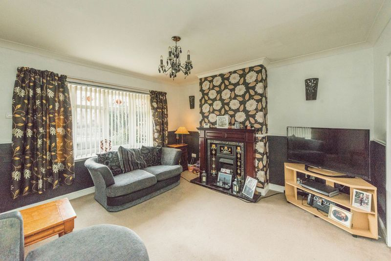 3 Bedrooms Semi Detached House for sale in Spoonhill Road, Stannington, S6 5PA - Close To Local Amenities!