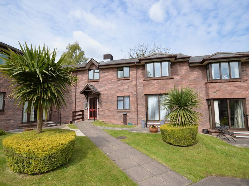 1 Bedroom Retirement Property for sale in Priory Gardens, Abergavenny