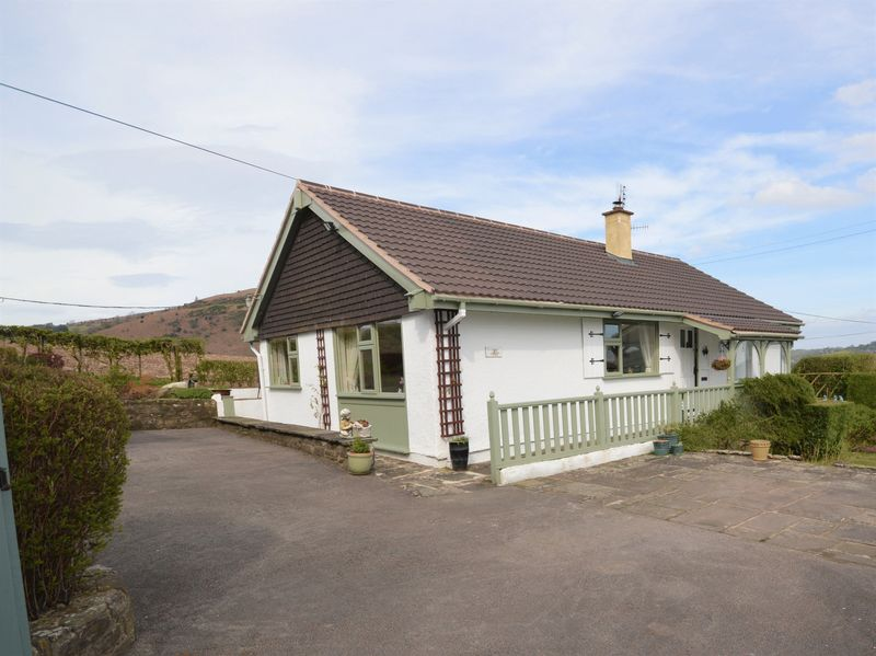 3 Bedrooms Detached Bungalow for sale in Old Hereford Road, Abergavenny