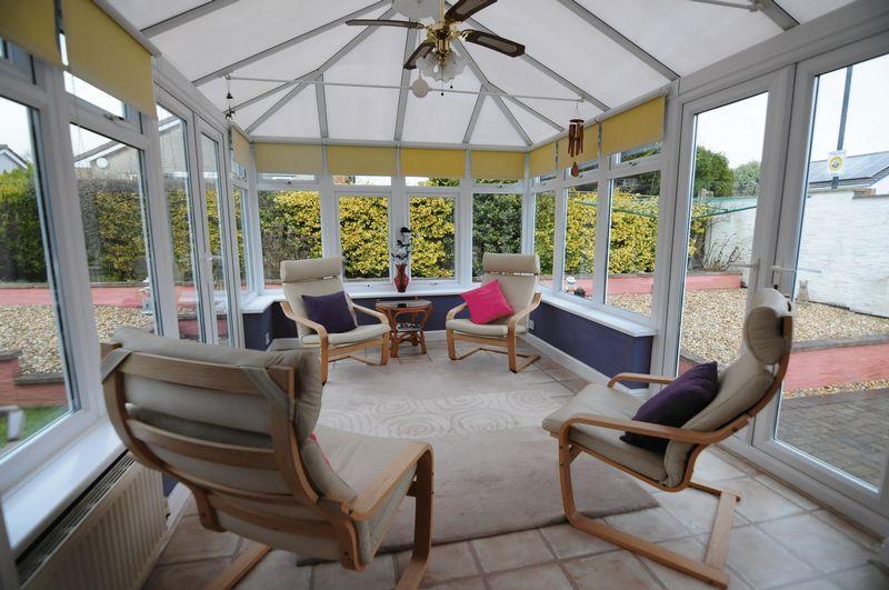 3 Bedrooms Detached House for sale in Bifield Road, Stockwood, Bristol, BS14