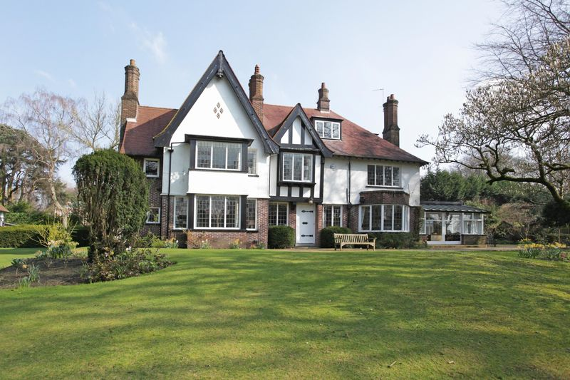 7 Bedrooms Detached House for sale in Charcoal Road, Bowdon