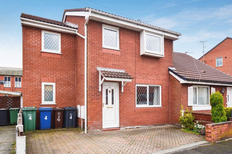 4 Bedrooms Semi Detached House for sale in Parsonage Street, Manchester