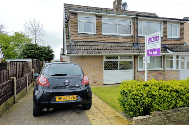 3 Bedrooms Semi Detached House for sale in Neston Road, Bury