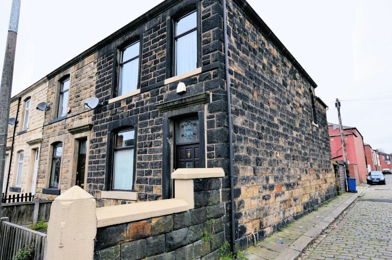 3 Bedrooms Terraced House for sale in Porter Street, Bury