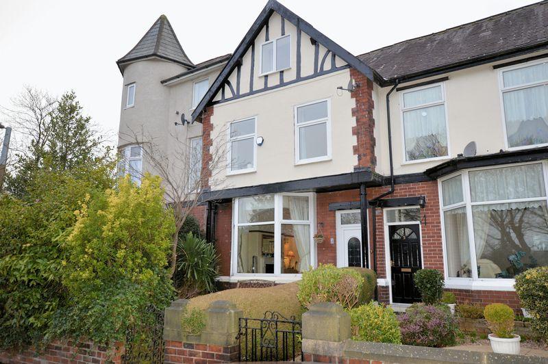4 Bedrooms Terraced House for sale in Milner Avenue, Bury