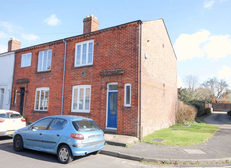 2 Bedrooms Terraced House for sale in Church Path, Emsworth
