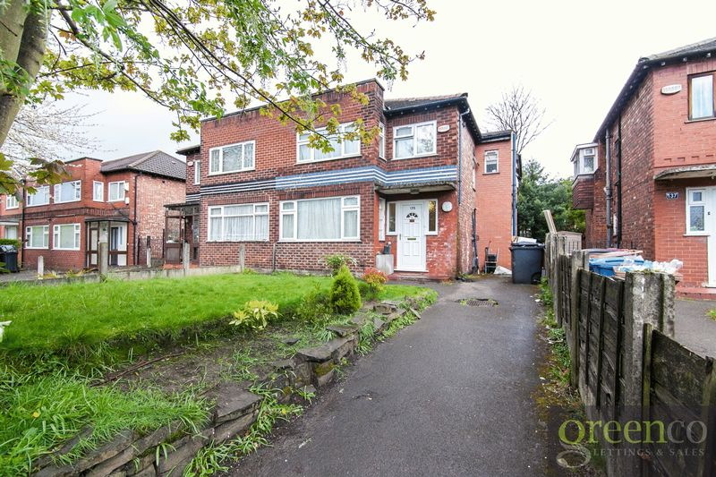 4 Bedrooms Semi Detached House for sale in Leicester Road, Salford