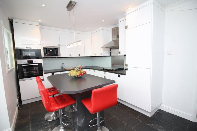 3 Bedrooms Semi Detached House for sale in Sycamore Street, Rhydyfelin, Pontypridd, CF37 5NB
