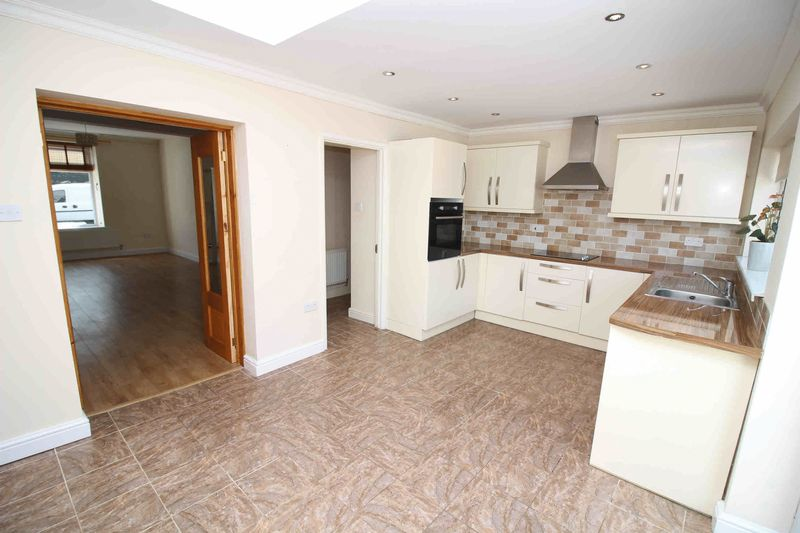 3 Bedrooms Terraced House for sale in Coedpenmaen Road, Trallwn, Pontypridd CF37 4LP