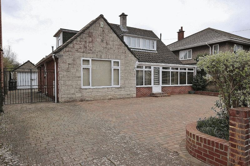 4 Bedrooms Property for sale in Keswick Road, Boscombe Manor, Bournemouth