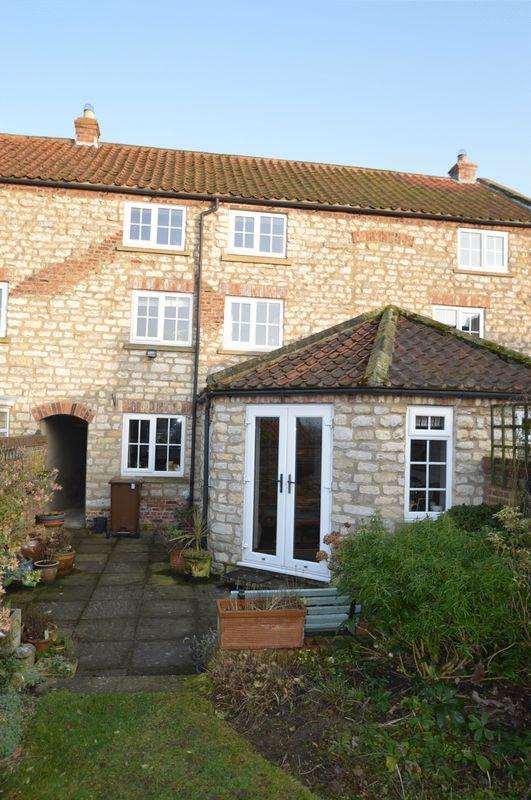 4 Bedrooms Terraced House for sale in Swinton, Near Malton