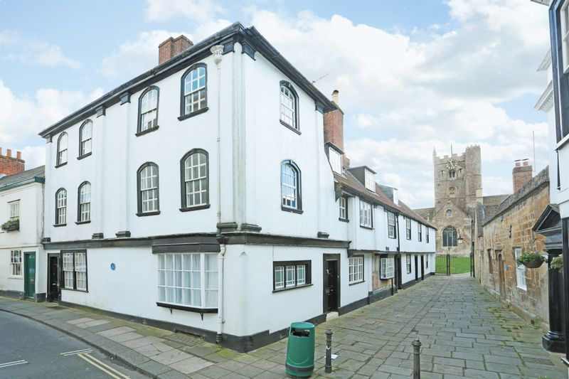 2 Bedrooms Terraced House for sale in Devizes, Wiltshire, SN10 1BT