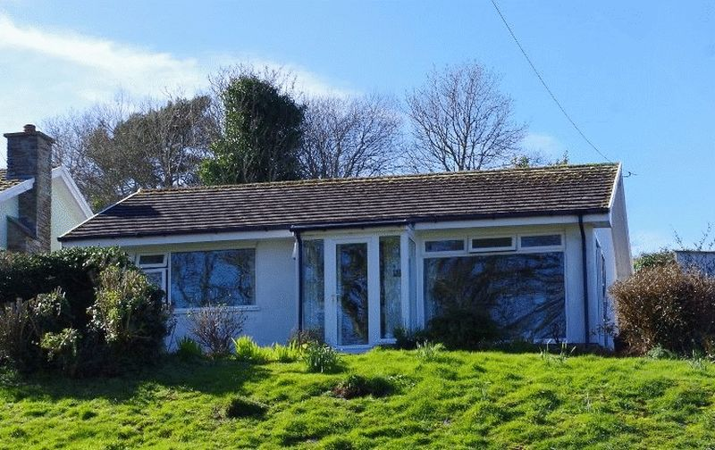 2 Bedrooms Detached Bungalow for sale in Grattons Drive, Lynton