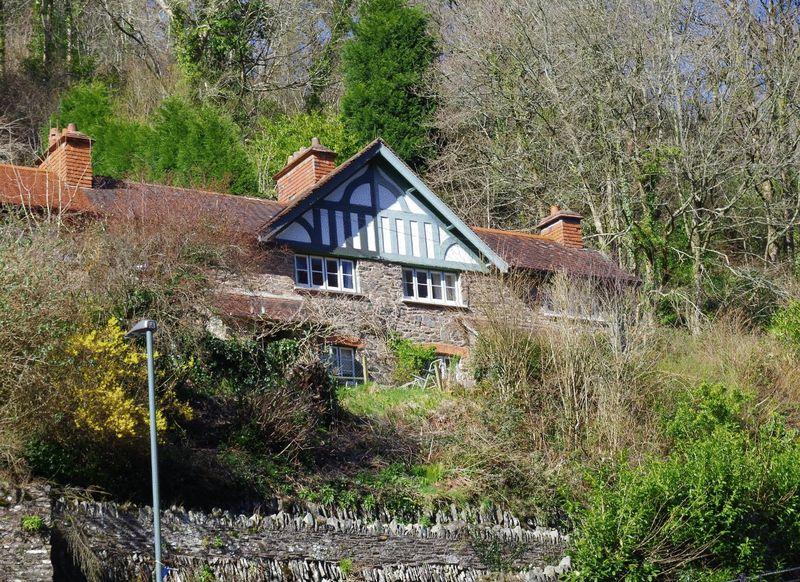 2 Bedrooms Terraced House for sale in Lynbridge, Lynton