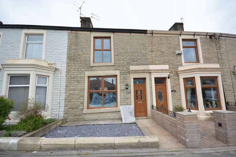 3 Bedrooms Terraced House for sale in Blackburn Road, Oswaldtwistle