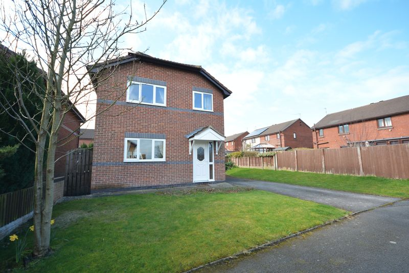 3 Bedrooms Detached House for sale in Maple Crescent, Rishton