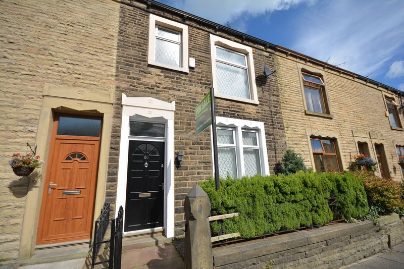 3 Bedrooms Terraced House for sale in Lord Street, Rishton