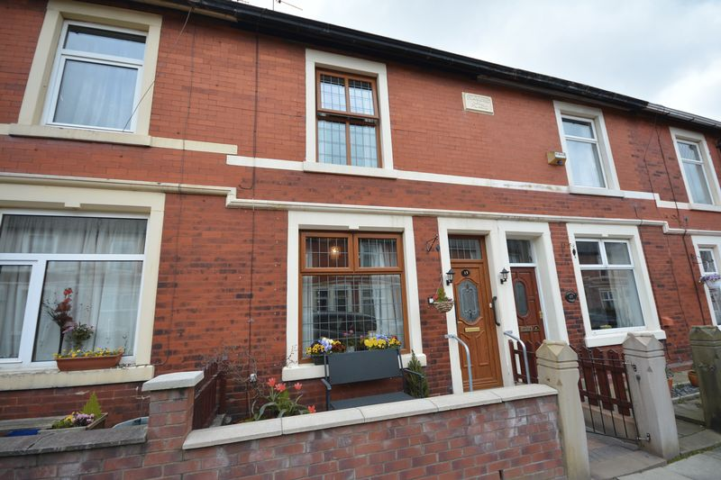 2 Bedrooms Terraced House for sale in Whinfield Street, Clayton-le-Moors