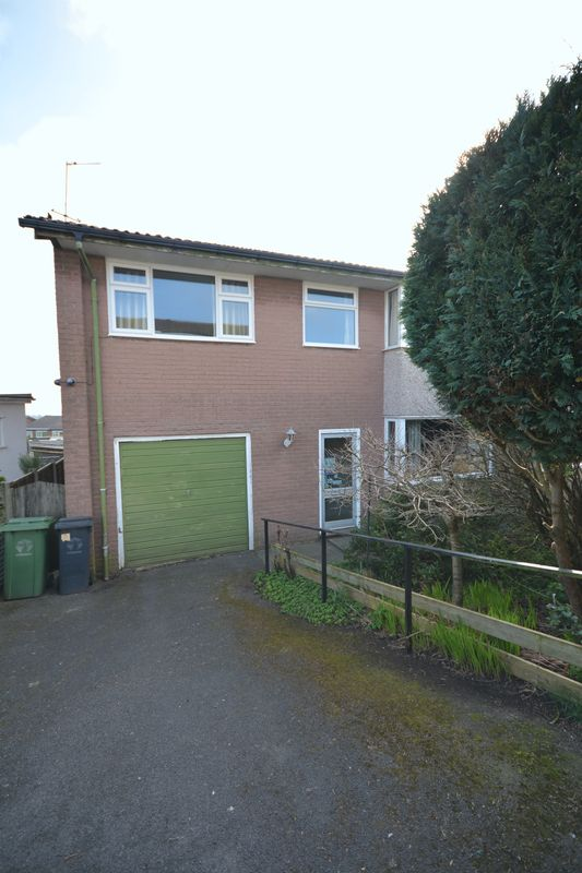 4 Bedrooms Semi Detached House for sale in Edgeside, Great Harwood
