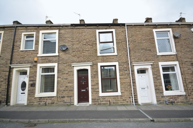 2 Bedrooms Terraced House for sale in St Peter Street, Rishton