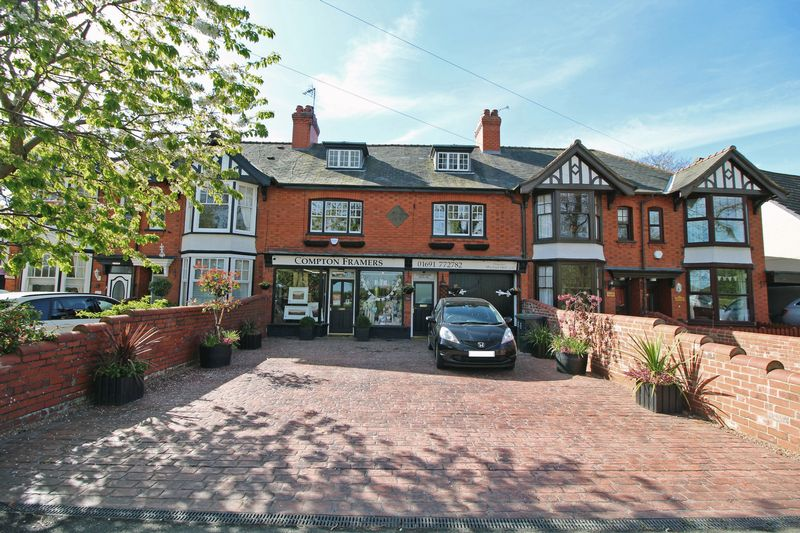 2 Bedrooms House for sale in Station Avenue, Chirk