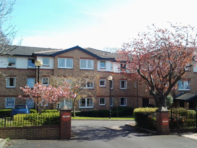 2 Bedrooms Retirement Property for sale in 18 Queens Court, Edinburgh, EH4 2BY