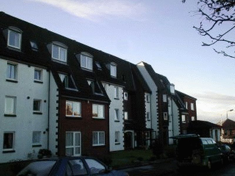 49 Homemount House, Largs, KA30 9LS