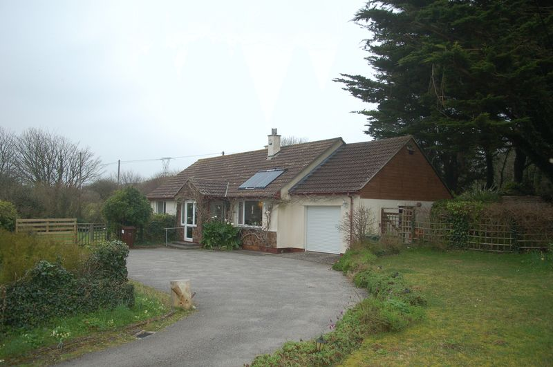 3 Bedrooms Detached Bungalow for sale in Upton Towans, Hayle